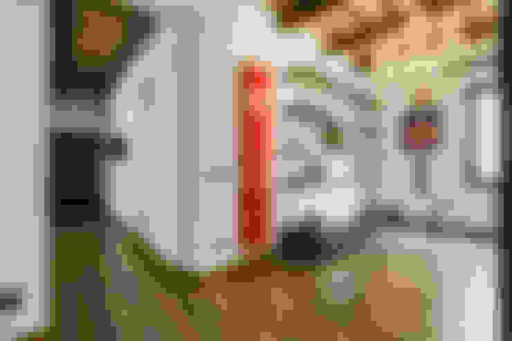 Pasillos y recibidores de estilo  por EF_Archidesign