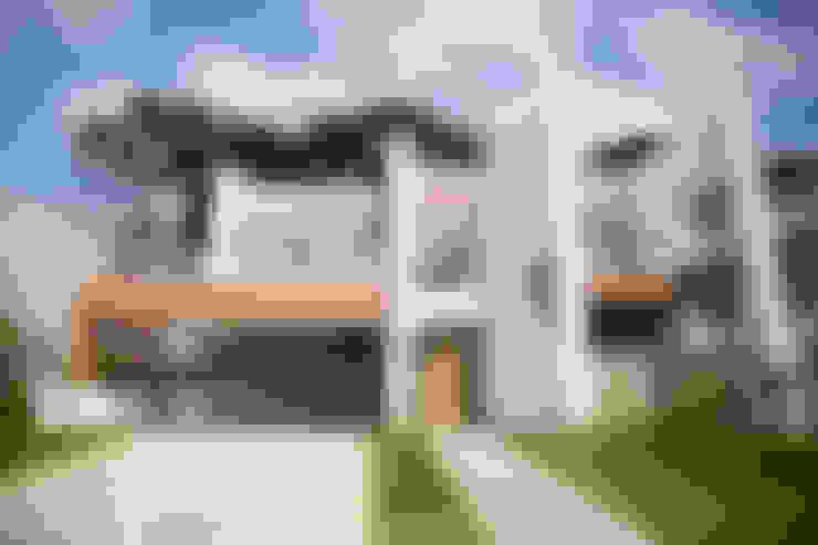房子 by Sakaguti Arquitetos Associados