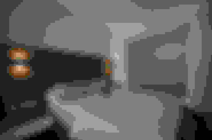 Dawson Renovation:  Bedroom by Designer House