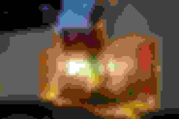 小さな森のアトリエ: 株式会社Fit建築設計事務所が手掛けた家です。