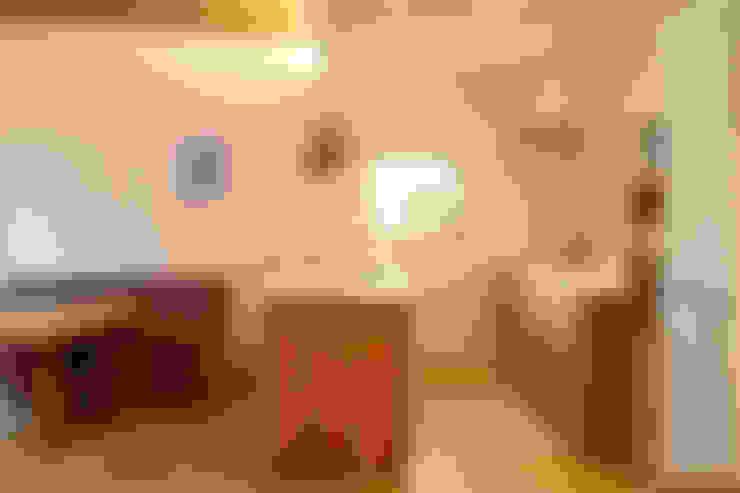 小さな森のアトリエ: 株式会社Fit建築設計事務所が手掛けたキッチンです。