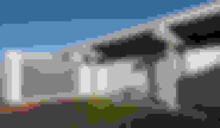 Nhà by riverorolnyarquitectos
