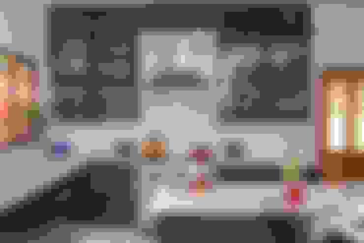Cocinas de estilo  por Ergo Designer Kitchens and Cabinetry