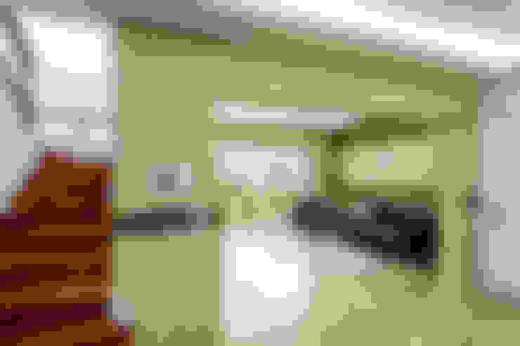 친친디 연수리 컨셉하우스: 친친디 하우스 프로젝트의  거실