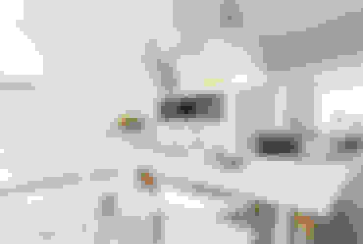 Cocinas de estilo  por Bob Romijnders Architectuur & Interieur