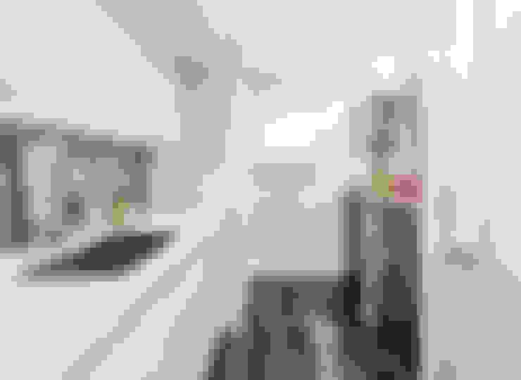 Ingresso & Corridoio in stile  di Clean Design
