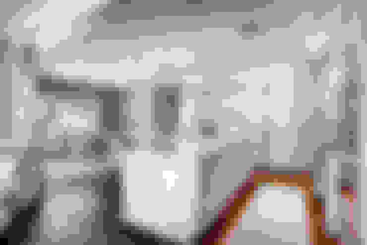 Cucina in stile  di Studio Design LLC