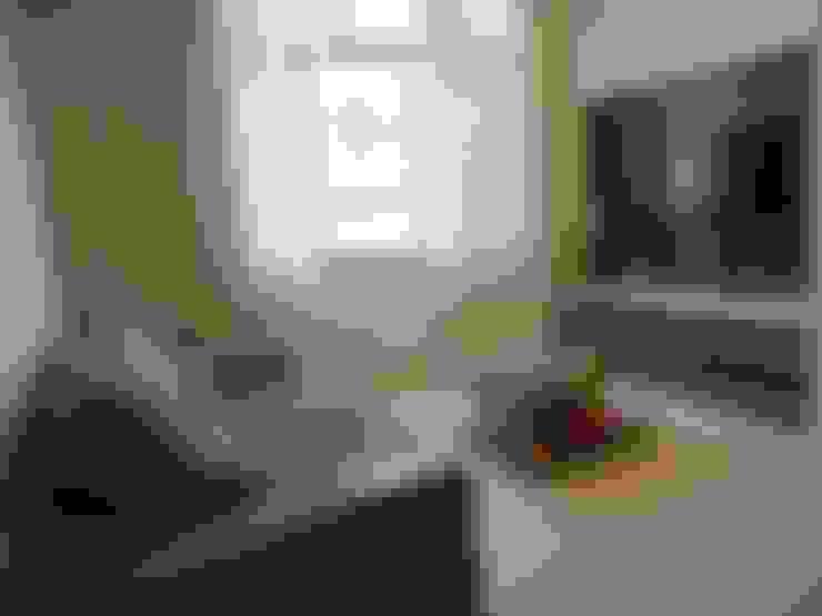 Sala de estar: Salas de estar  por Maria Helena Torres Arquitetura e Design