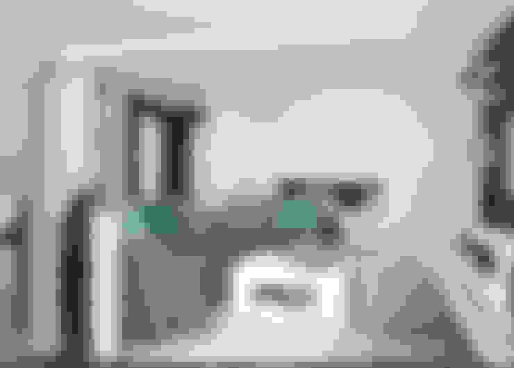 гостиная студия квартира студия минимализм: Гостиная в . Автор – 'PRimeART'