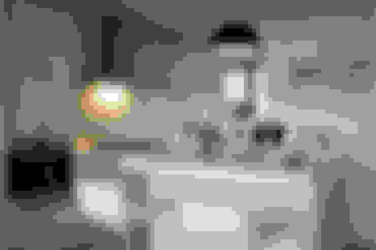 Cozinhas  por 大言室內裝修有限公司