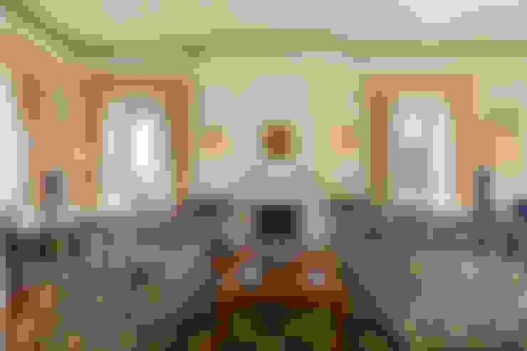 غرفة المعيشة تنفيذ Pedro Brás - Fotógrafo de Interiores e Arquitectura | Hotelaria | Alojamento Local | Imobiliárias
