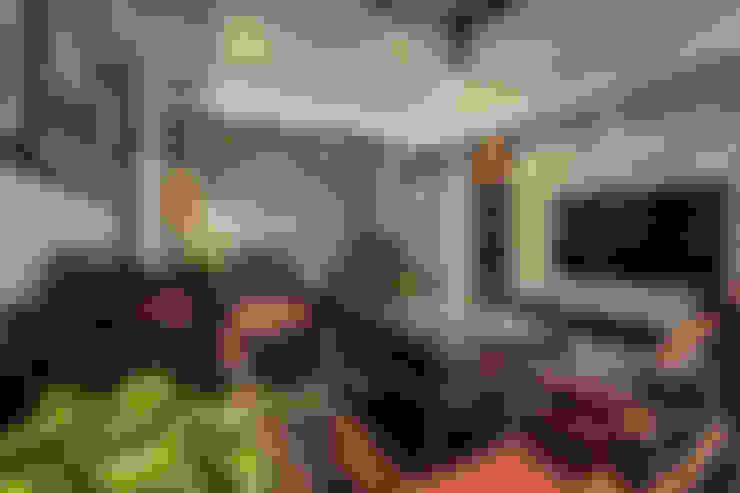 新東方-客廳:  客廳 by 大不列顛空間感室內裝修設計