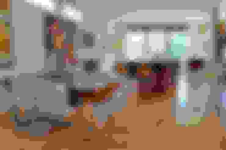 Kitchen by E3 Architecture Inc.