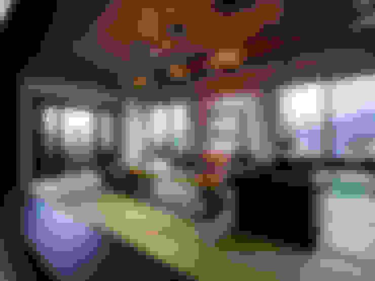 山居秋暝予菁山─青山鎮:  客廳 by DYD INTERIOR大漾帝國際室內裝修有限公司