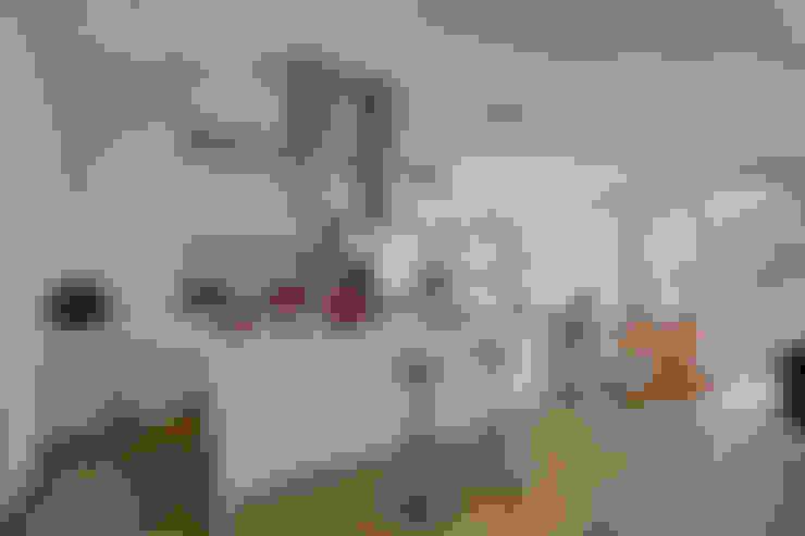 Armários de cozinha  por 六相設計 Phase6