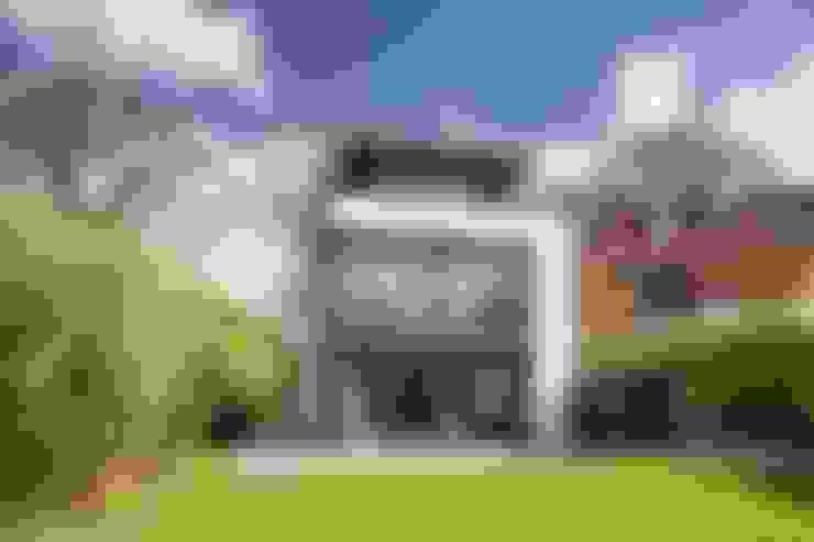 Rumah by Architekturbüro Prell und Partner mbB Architekten und Stadtplaner