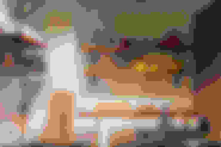 HWH house:  廚房 by 珞石設計 LoqStudio