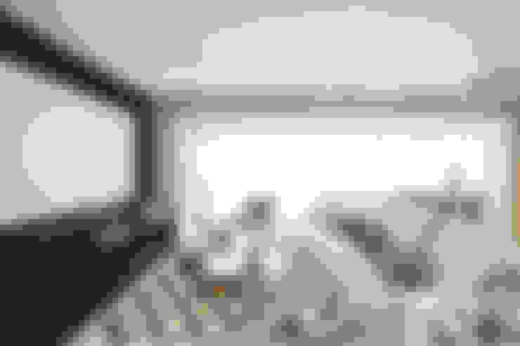 Living room by Revellar Marcenaria