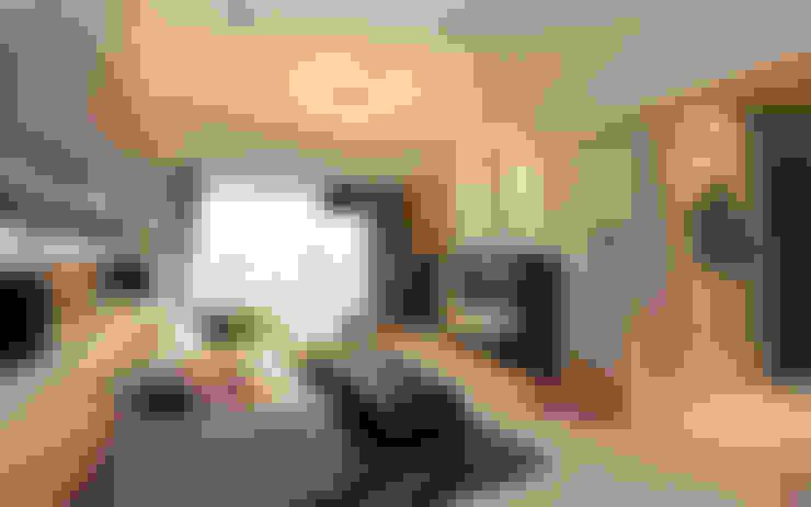 Ruang Keluarga by 思維空間設計