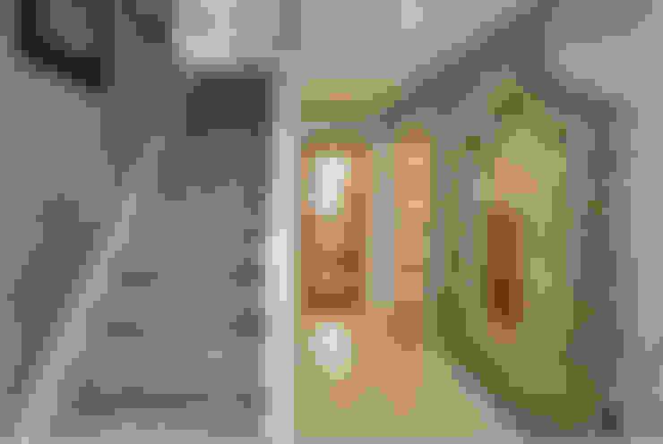 Take a step into luxury each day..:  Corridor & hallway by Graeme Fuller Design Ltd