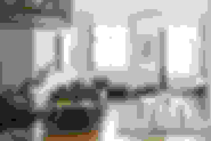 Salas / recibidores de estilo  por Arkstudio