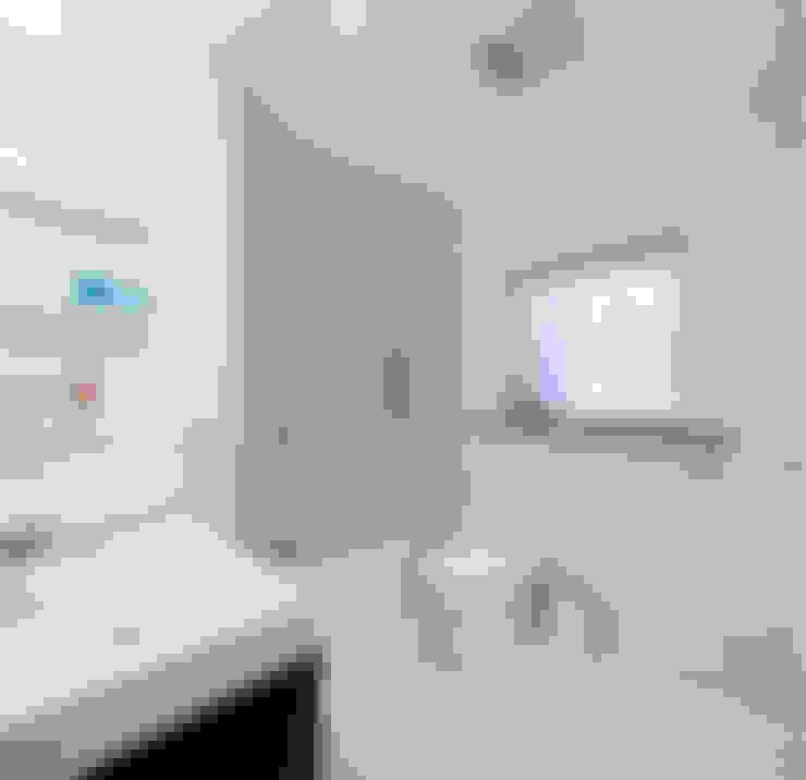 Bathroom:  Bathroom by STUDIO Z