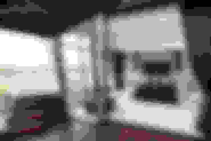 ULTRA MODERN RESIDENCE:  Bedroom by FRANCOIS MARAIS ARCHITECTS