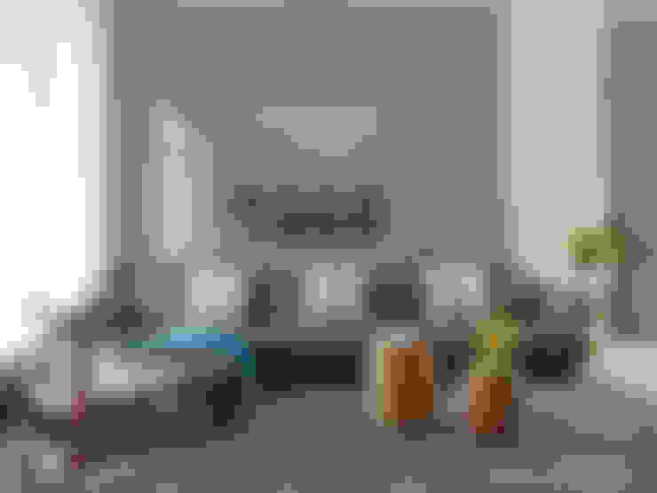 Ruang Keluarga by 夏沐森山設計整合