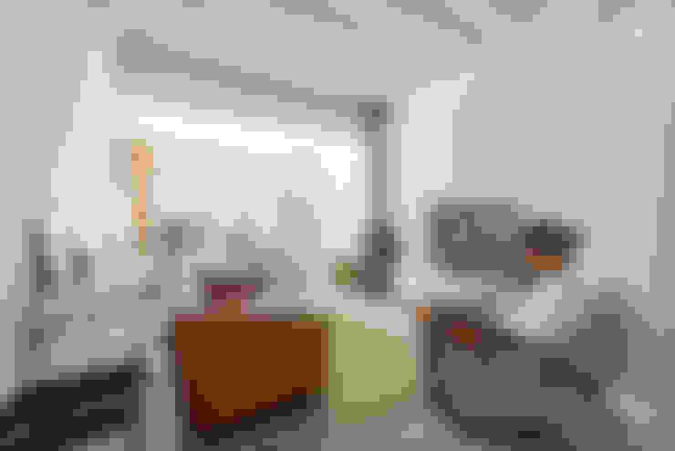 Salas / recibidores de estilo  por studioarte