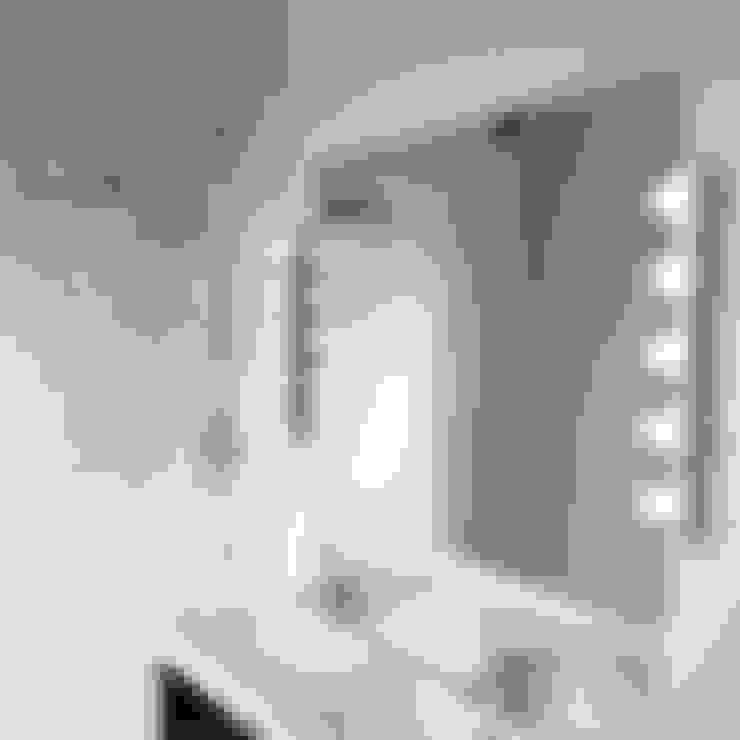 Baños de estilo  por My-Studio Ltd