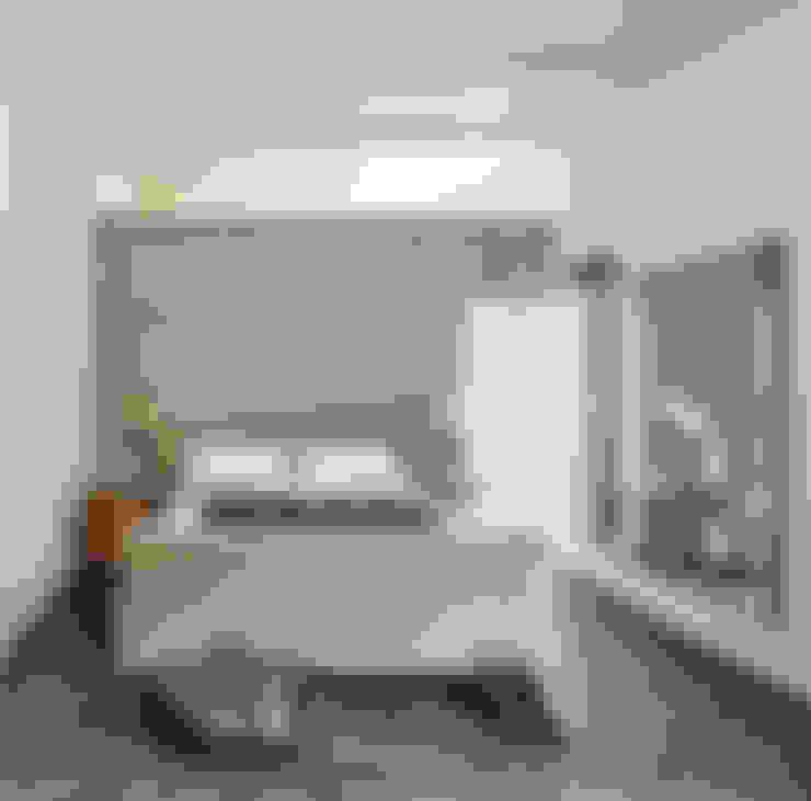 Dormitorios de estilo  por Studio Fabio Fantolino