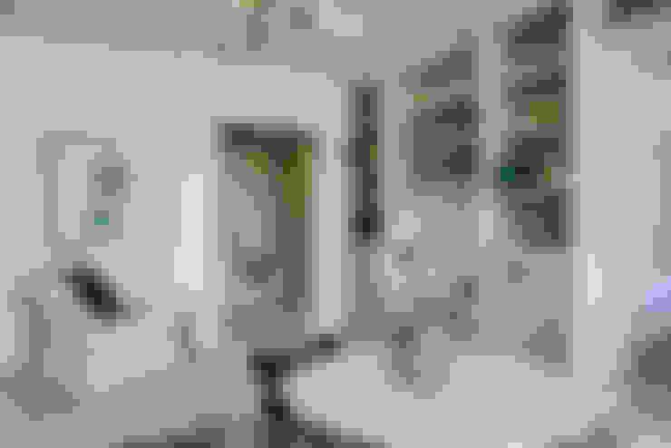 Nursery/kid's room by MYKALS PHOTOGRAPHY