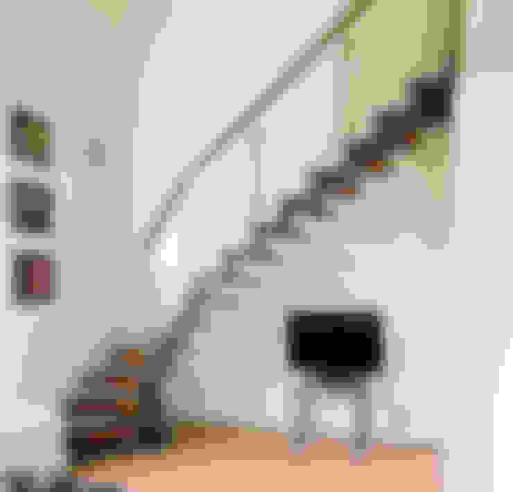 Corridor & hallway by Passion Escaliers