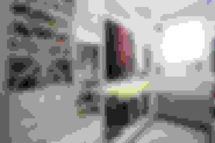 RESIDENCIAL 07: Closets  por Apê 102 Arquitetura