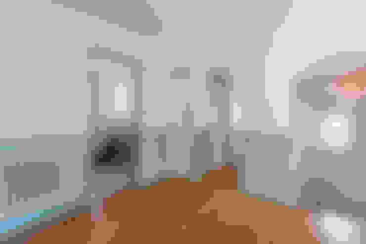 Koridor dan lorong by J.J.Mullane Ltd