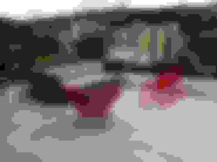 Patios & Decks by THE muebles