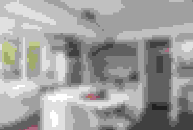 مطبخ تنفيذ Christopher Architecture & Interiors