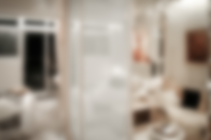 BRAVO INTERIOR DESIGN & DECO    KAWA STYLE:  更衣室 by 璞碩室內裝修設計工程有限公司