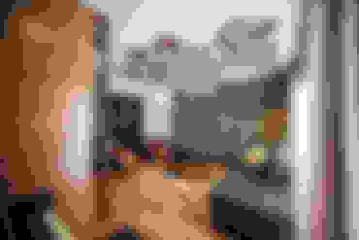 غرفة المعيشة تنفيذ ESTUDIO TANGUMA