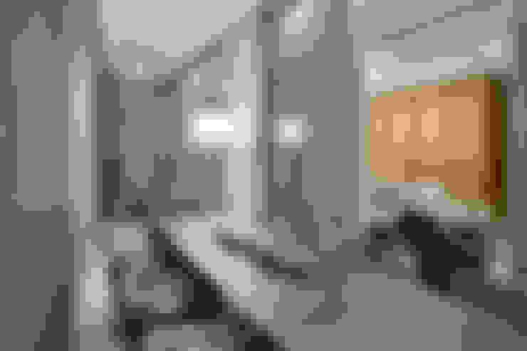 بلكونة أو شرفة تنفيذ Alessandra Contigli Arquitetura e Interiores