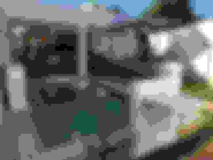 Piscinas de estilo  por Constructora Asvial - Desarrollador Inmobiliario