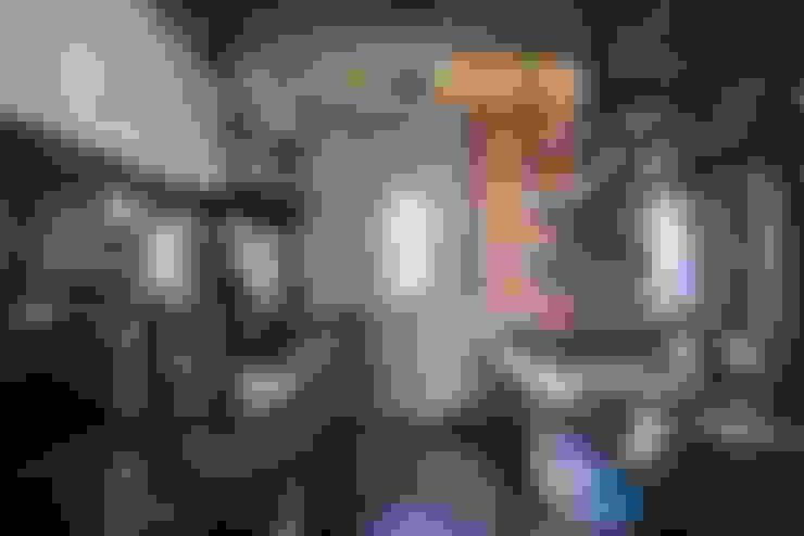 伍乘研造有限公司:  廚房 by 伍乘研造有限公司