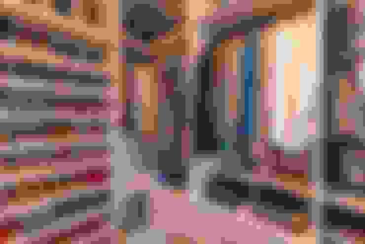 غرفة الملابس تنفيذ Camila Chalon Arquitetura