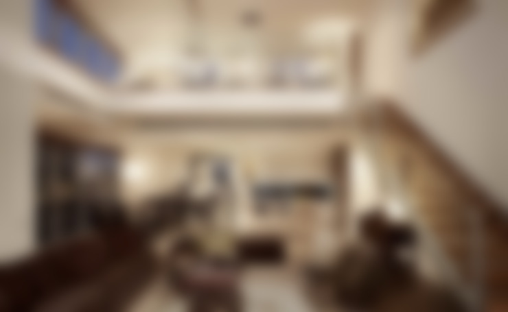 The River:  Living room by HB Design Pte Ltd