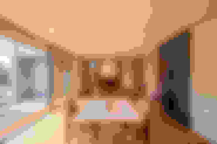 Dining room by STaD(株式会社鈴木貴博建築設計事務所)
