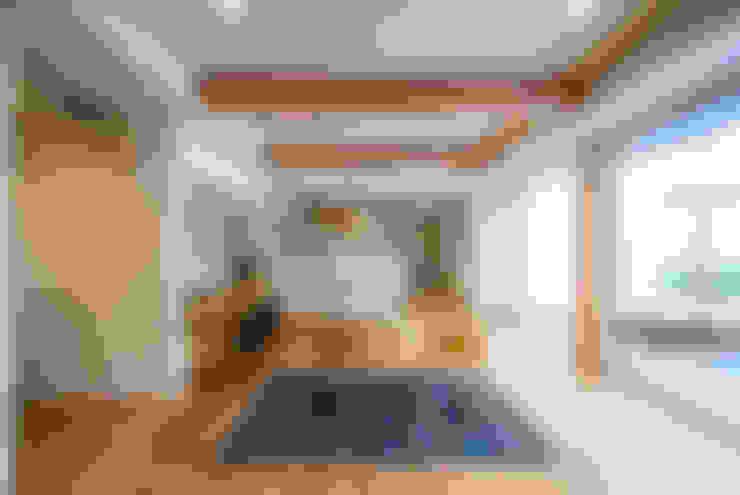 客廳 by STaD(株式会社鈴木貴博建築設計事務所)