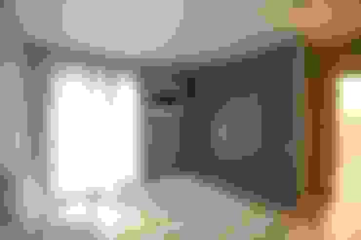Dormitorios de estilo  por RO|a_