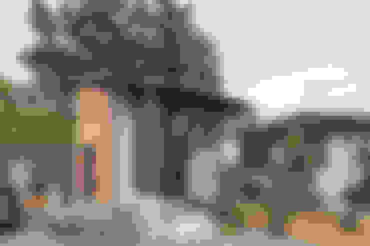 Houses by 株式会社 建築工房零
