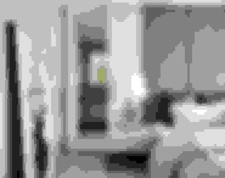 土城-董宅:  臥室 by 沐朋設計