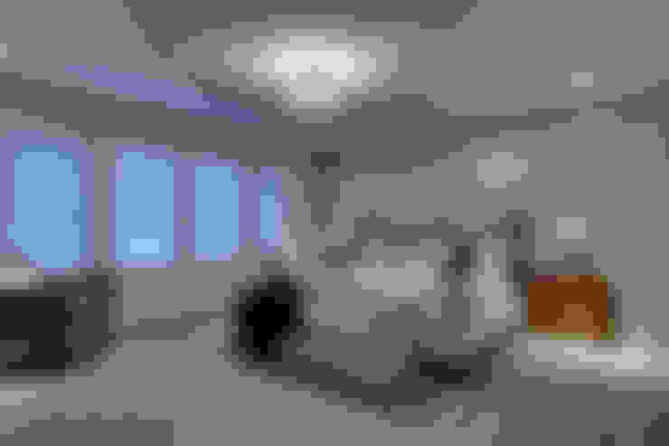 57 Paintbrush Park:  Bedroom by Sonata Design